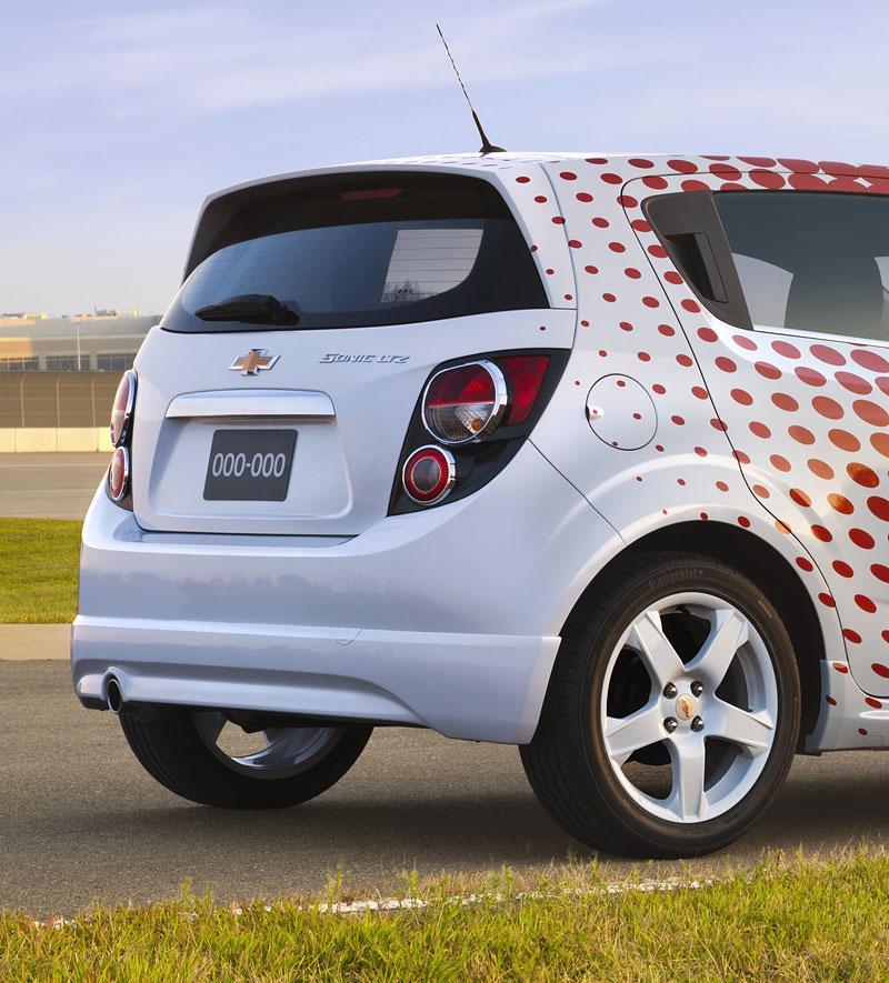 Chevrolet Sonic Z-Spec: tovární sportovní doplňky pro Aveo: - fotka 5