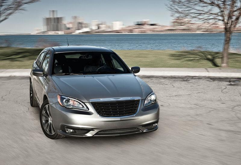 Chrysler S: stylovější 200 Sedan a 200 Convertible: - fotka 4