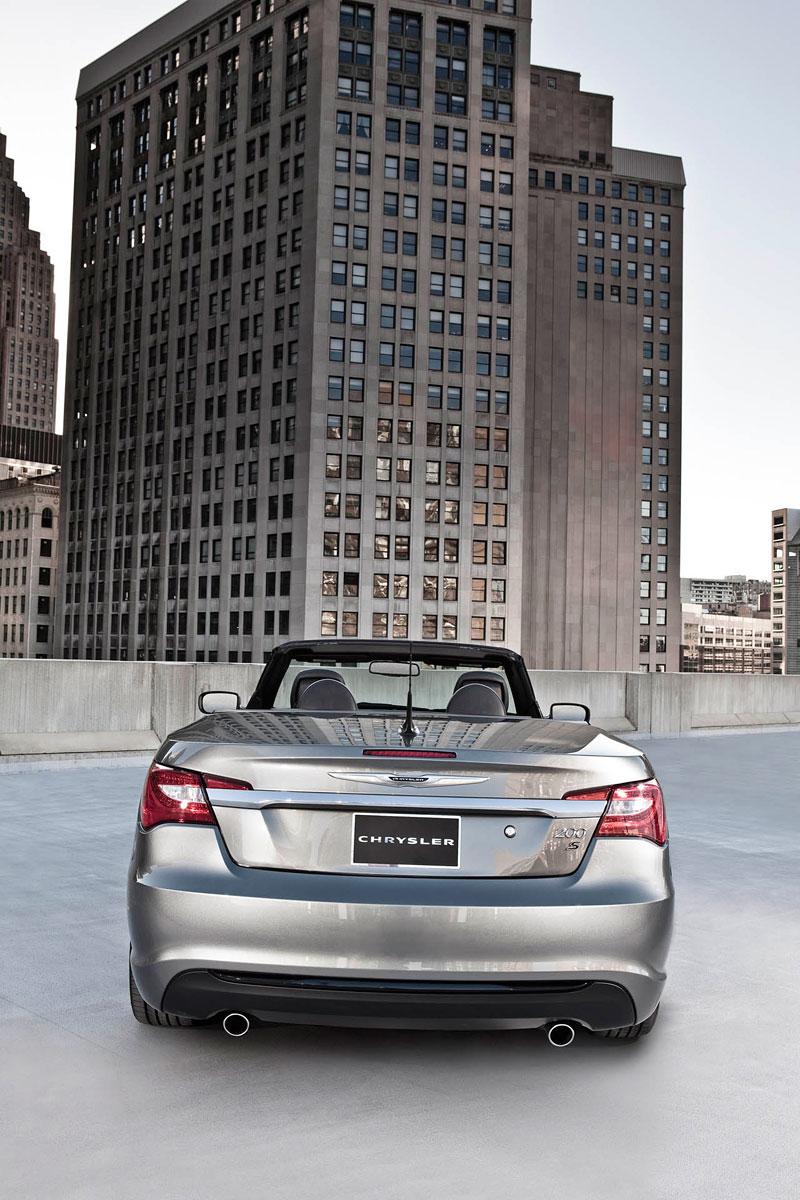 Chrysler S: stylovější 200 Sedan a 200 Convertible: - fotka 6
