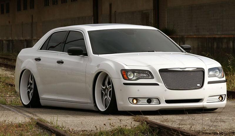 FatChance 2.0: první úprava pro faceliftovaný Chrysler 300: - fotka 3