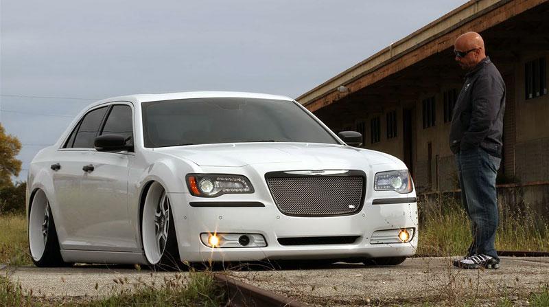 FatChance 2.0: první úprava pro faceliftovaný Chrysler 300: - fotka 4