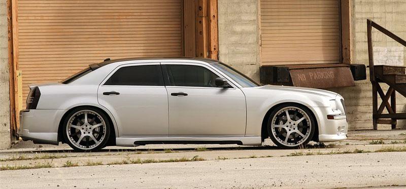 FatChance 2.0: první úprava pro faceliftovaný Chrysler 300: - fotka 5
