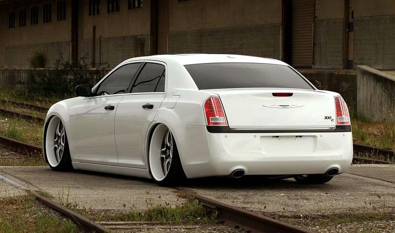 FatChance 2.0: první úprava pro faceliftovaný Chrysler 300: - fotka 6