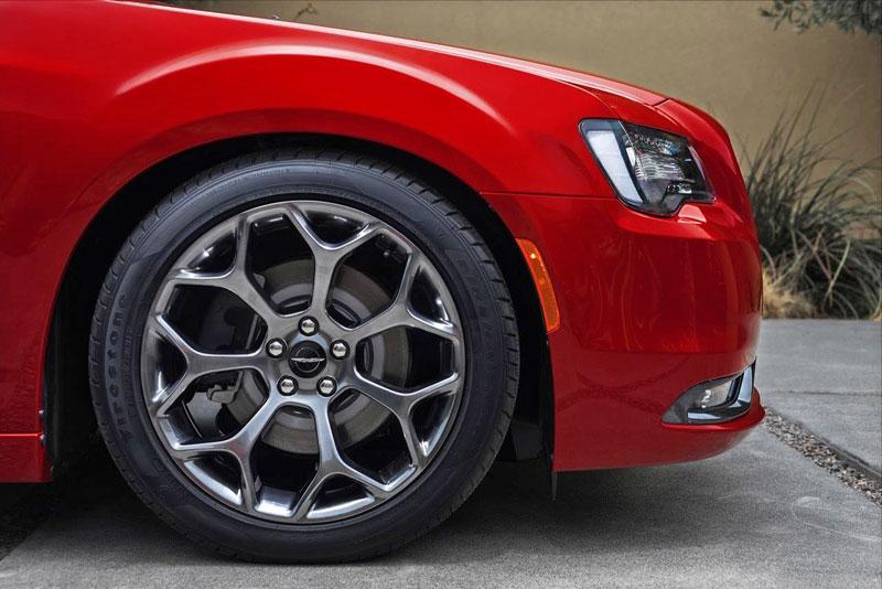 Chrysler 300 možná přijde o svůj charakteristický design: - fotka 54