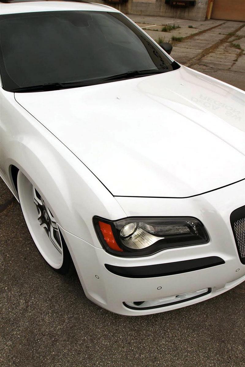 FatChance 2.0: první úprava pro faceliftovaný Chrysler 300: - fotka 7