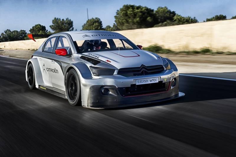 Sébastien Loeb se prohání v Citroënu C-Elysée WTCC: - fotka 3