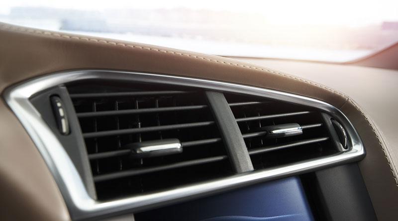 Citroën DS4 Racing: první hybridní hot-hatch?: - fotka 7