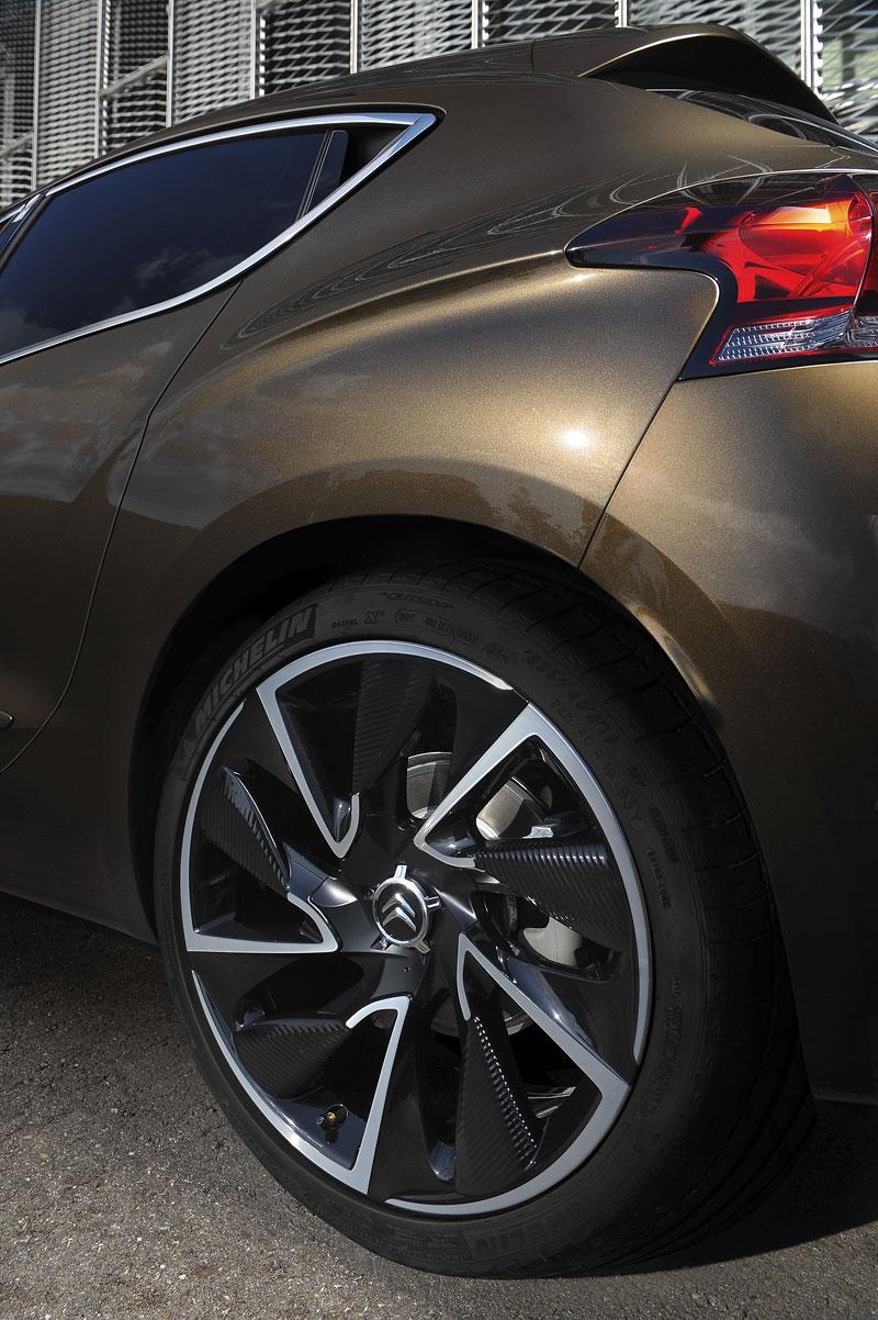Citroën DS4: stylově i mezi kompakty: - fotka 24
