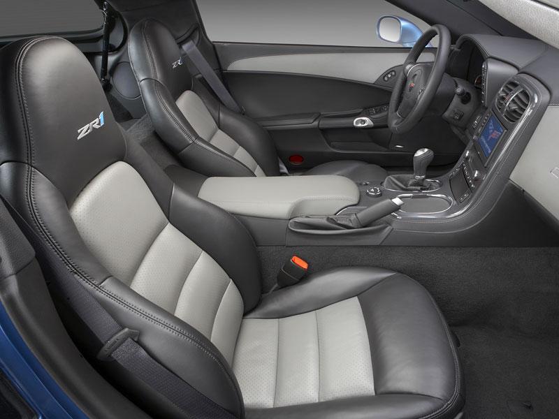 Pod lupou: Chevrolet Corvette ZR1 - Peklo je modré: - fotka 3
