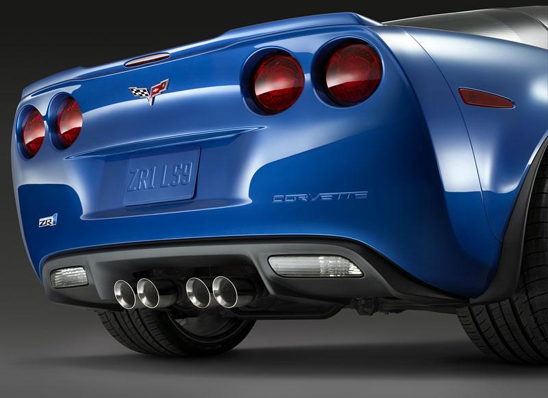 Co se skrývá pod kapotou Corvette ZR1: - fotka 36