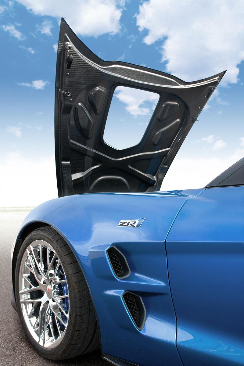 Pod lupou: Chevrolet Corvette ZR1 - Peklo je modré: - fotka 38