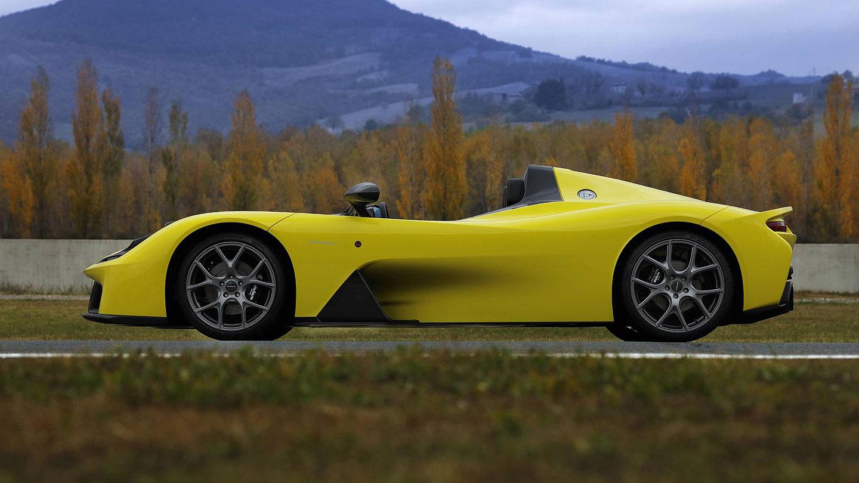 Dallara Stradale je okruhová placka, která smí na silnice. Poslechněte si, jak zní: - fotka 5