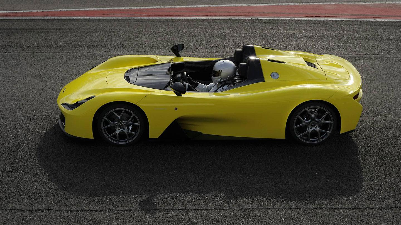 Dallara Stradale je okruhová placka, která smí na silnice. Poslechněte si, jak zní: - fotka 6
