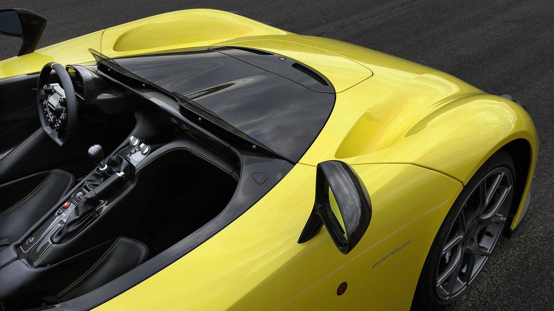 Dallara Stradale je okruhová placka, která smí na silnice. Poslechněte si, jak zní: - fotka 11
