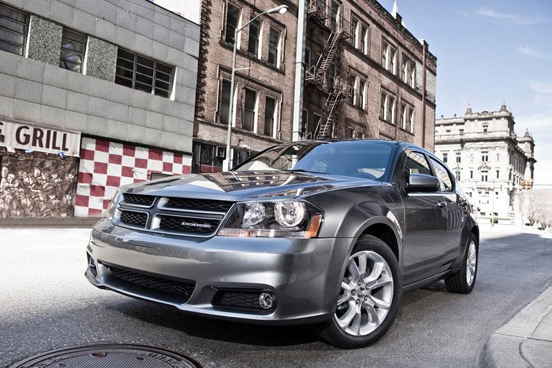 Dodge Avenger R/T 2012: další sportovec přichází: - fotka 4