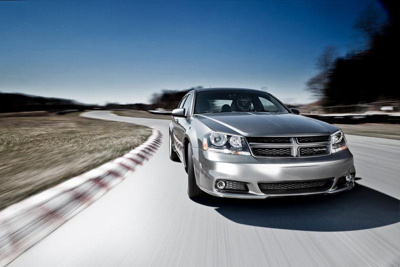 Dodge Avenger R/T 2012: další sportovec přichází: - fotka 8