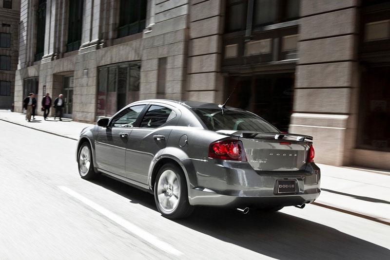 Dodge Avenger R/T 2012: další sportovec přichází: - fotka 12