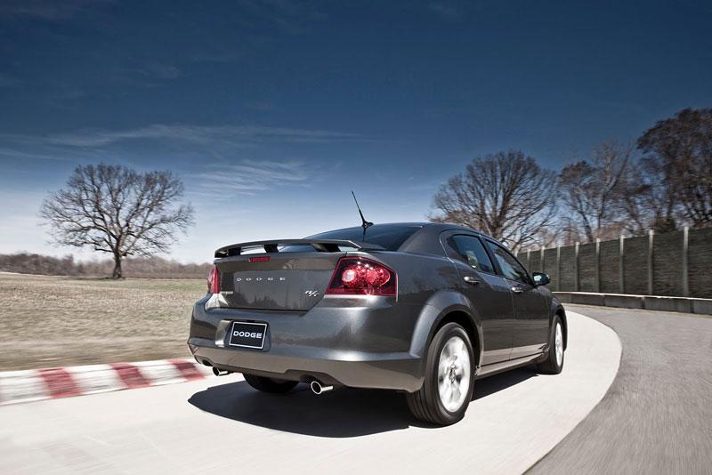 Dodge Avenger R/T 2012: další sportovec přichází: - fotka 14