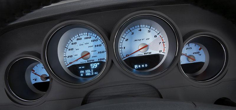 Dodge Challenger R/T – další svalovec: - fotka 2
