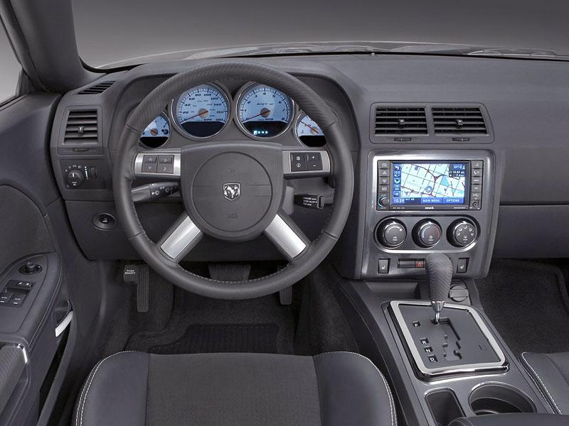 Dodge Challenger R/T – další svalovec: - fotka 3