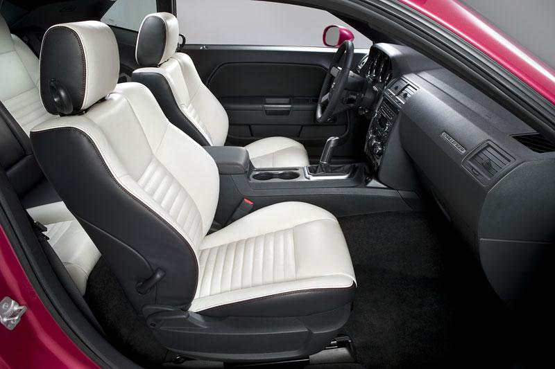 Dodge Challenger Furious Fuchsia: 40. výročí původního modelu: - fotka 1