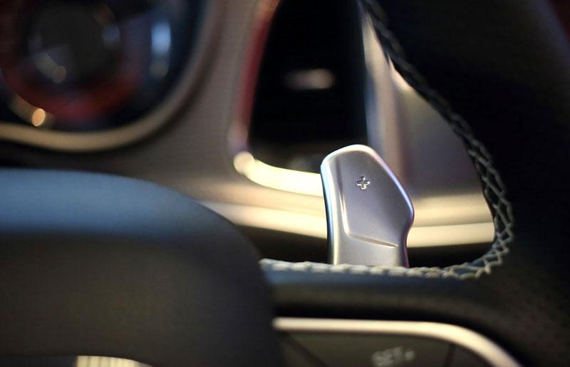 Dodge Challenger SRT Hellcat Convertible: Jediný svého druhu (+video): - fotka 4