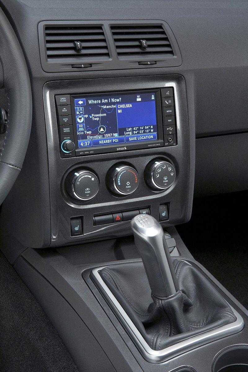 Dodge Challenger R/T – další svalovec: - fotka 6