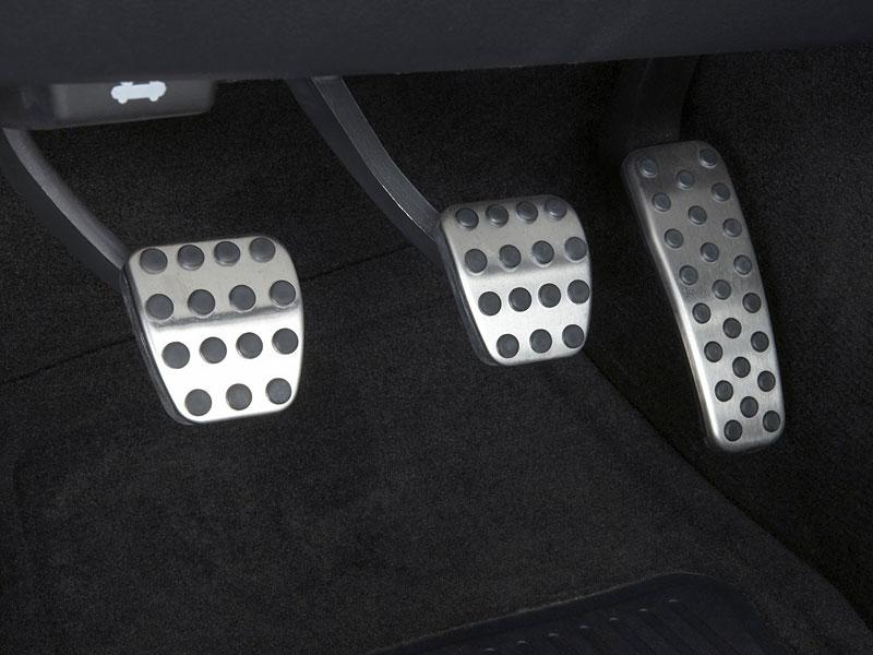 Dodge Challenger R/T – další svalovec: - fotka 9