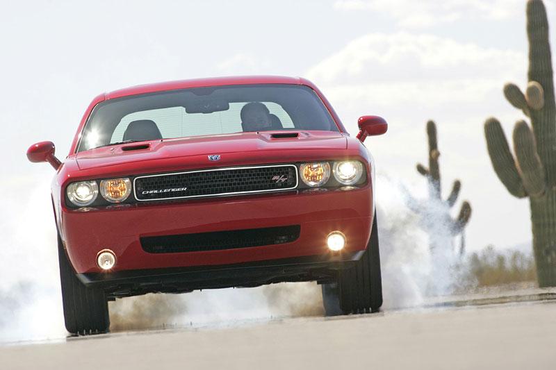 Dodge Challenger R/T – další svalovec: - fotka 12