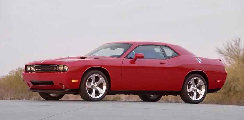 Dodge Challenger R/T – další svalovec: - fotka 16