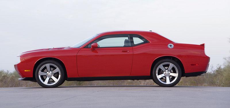 Dodge Challenger R/T – další svalovec: - fotka 19