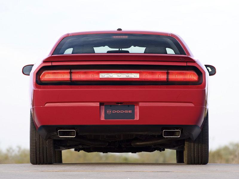 Dodge Challenger R/T – další svalovec: - fotka 22