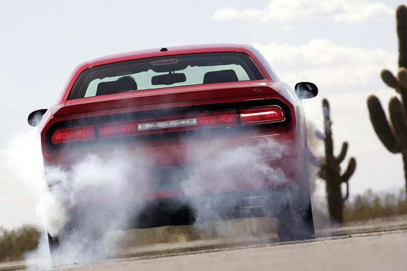 Dodge Challenger R/T – další svalovec: - fotka 23