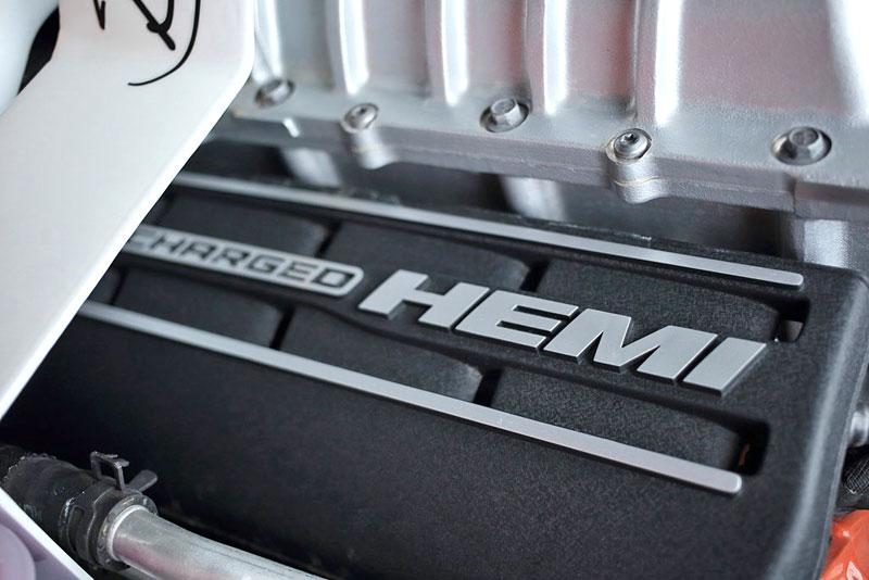 Dodge Challenger SRT Hellcat Convertible: Jediný svého druhu (+video): - fotka 21