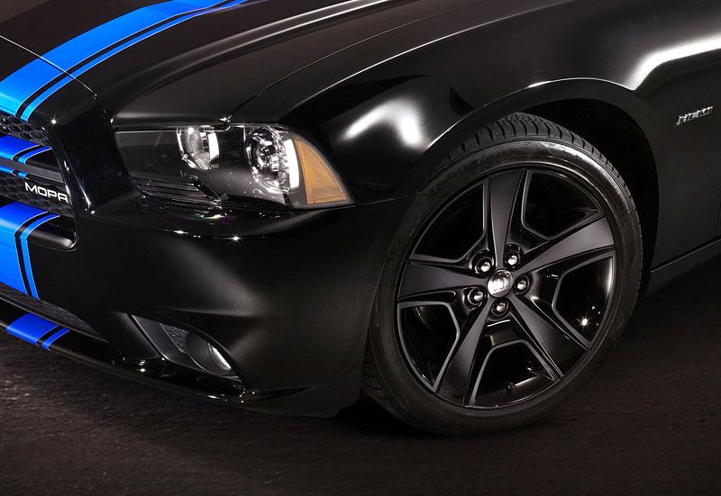 Mopar Dodge Charger: Nová limitovaná edice s osmiválcem: - fotka 4