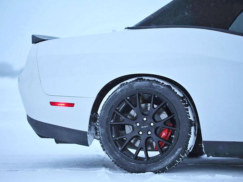 Dodge Challenger SRT Hellcat Convertible: Jediný svého druhu (+video): - fotka 26
