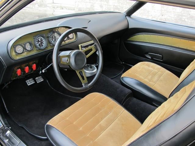 Dodge Challenger Insidious: Zákeřné černé kupé: - fotka 4