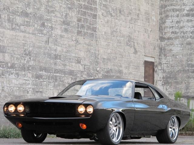 Dodge Challenger Insidious: Zákeřné černé kupé: - fotka 17