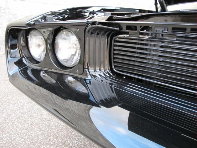 Dodge Challenger Insidious: Zákeřné černé kupé: - fotka 42