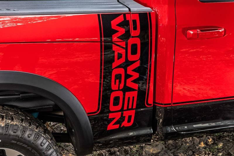 Ram Power Wagon zůstává věrný osmiválci: - fotka 36