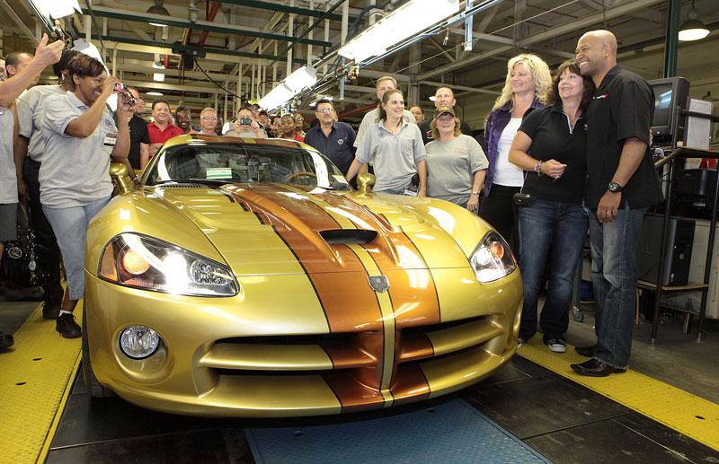 Dodge Viper: poslední vůz opustil výrobní linku: - fotka 2