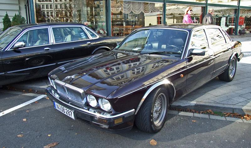 V Karlových Varech se sjelo přes 40 Jaguarů: - fotka 31