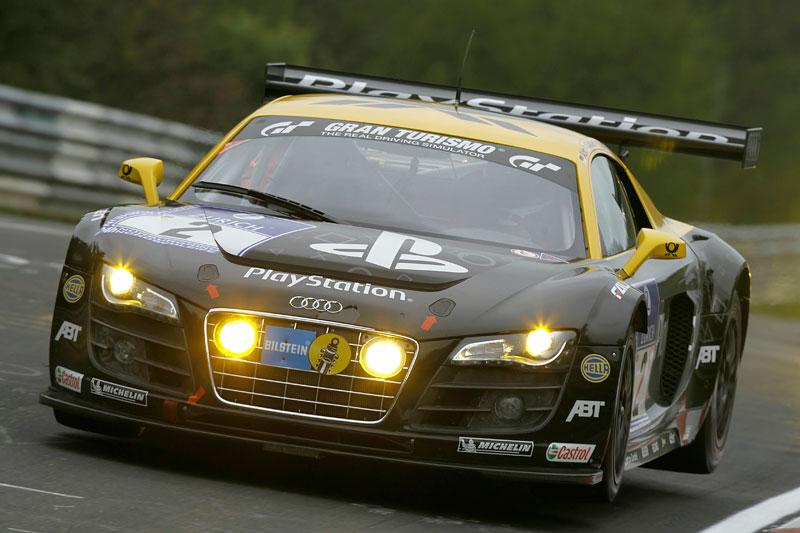 Hvězdy DTM za volantem Audi R8 LMS: - fotka 2