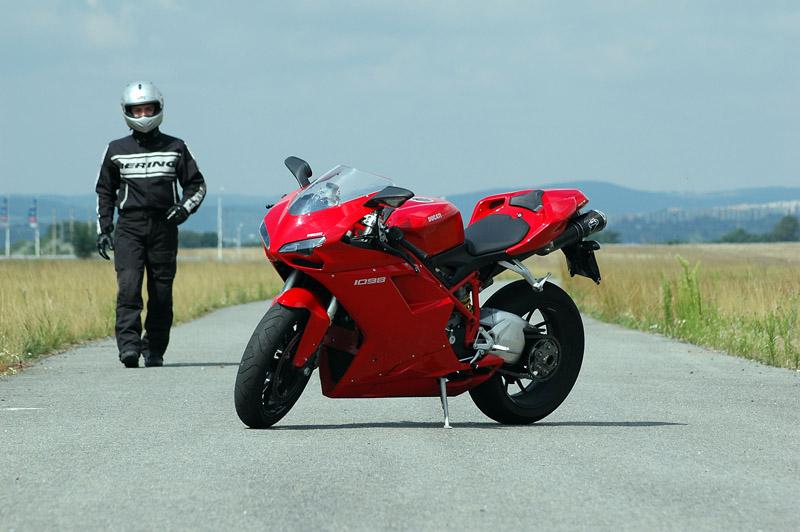Test - Ducati 1098: kladivo na japonské čarodějnice: - fotka 3