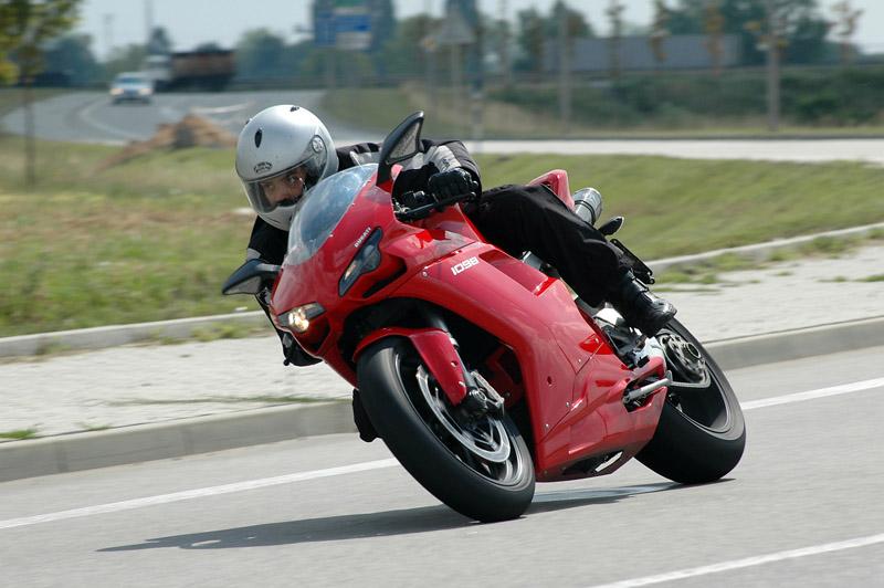 Test - Ducati 1098: kladivo na japonské čarodějnice: - fotka 8