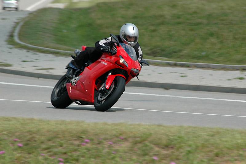 Test - Ducati 1098: kladivo na japonské čarodějnice: - fotka 9