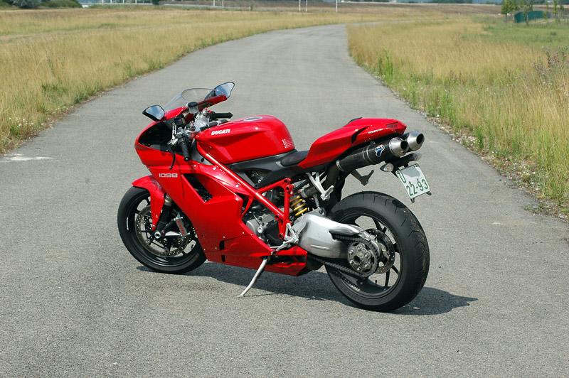 Test - Ducati 1098: kladivo na japonské čarodějnice: - fotka 17
