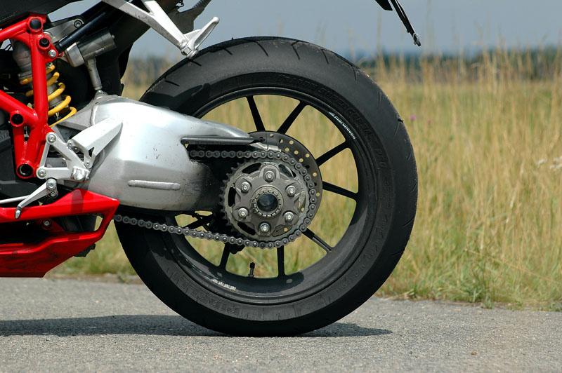 Test - Ducati 1098: kladivo na japonské čarodějnice: - fotka 28