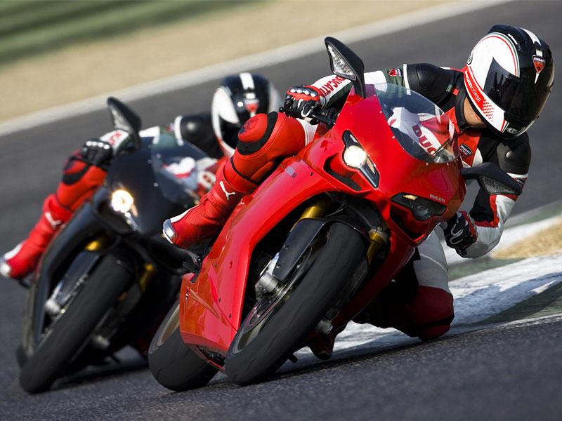 Ducati: slevová akce a doprodej předváděcích motocyklů: - fotka 1