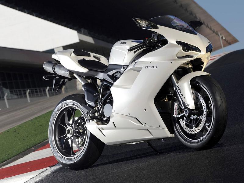 Ducati: slevová akce a doprodej předváděcích motocyklů: - fotka 8
